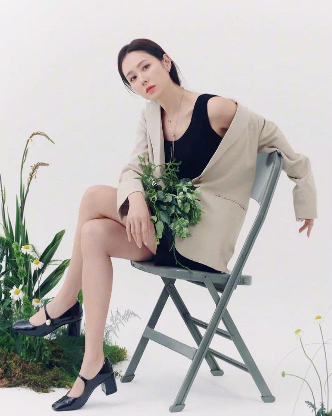 Son Ye Jin đẹp tựa nữ thần, hé lộ việc quay trở lại màn ảnh - Ảnh 3.