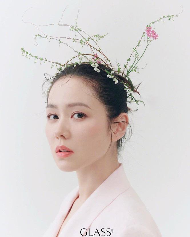 Son Ye Jin đẹp tựa nữ thần, hé lộ việc quay trở lại màn ảnh - Ảnh 4.