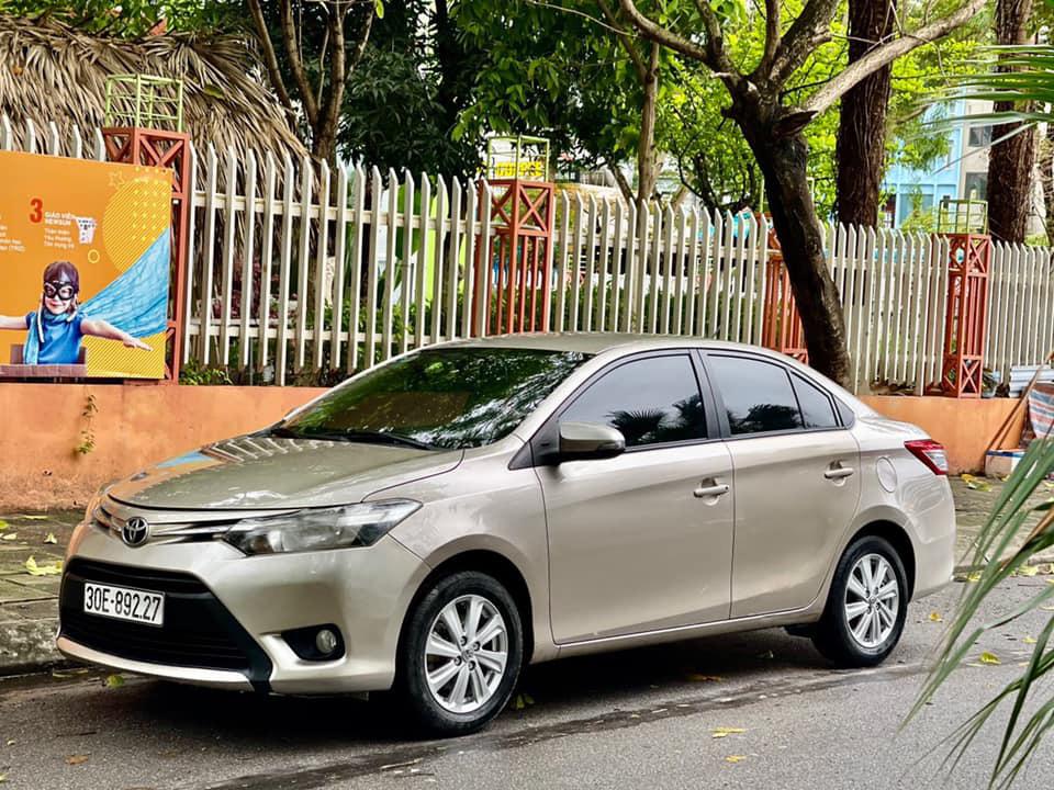 Toyota Vios số sàn chạy 5 vạn, màu vàng cát, rao bán giá khó tin - Ảnh 1.
