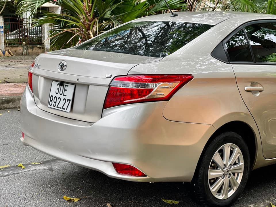 Toyota Vios số sàn chạy 5 vạn, màu vàng cát, rao bán giá khó tin - Ảnh 2.