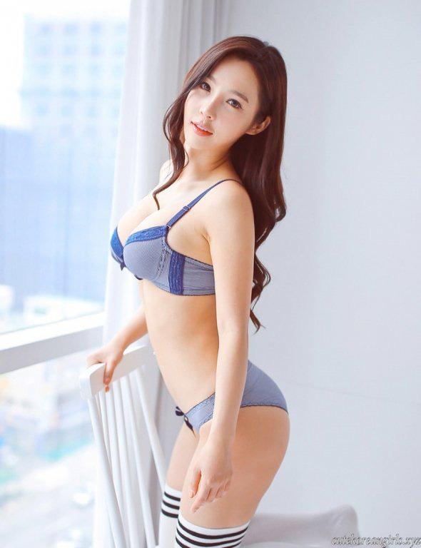 Lee Jina: Ring girl Hàn Quốc xinh đẹp, đa tài và nổi tiếng châu Á - Ảnh 3.