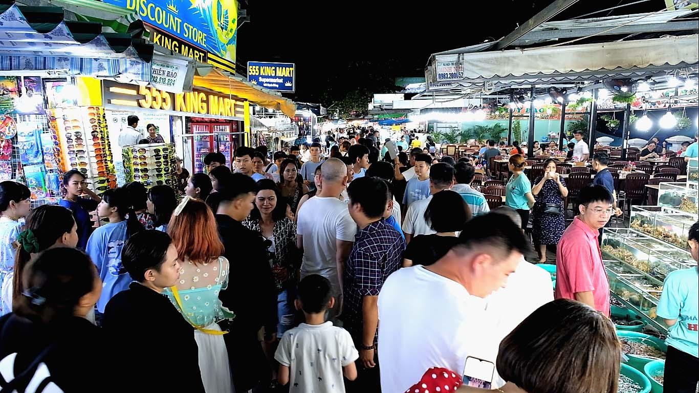 Du lịch Phú Quốc: Đến chợ đêm có gì hay? - Ảnh 2.
