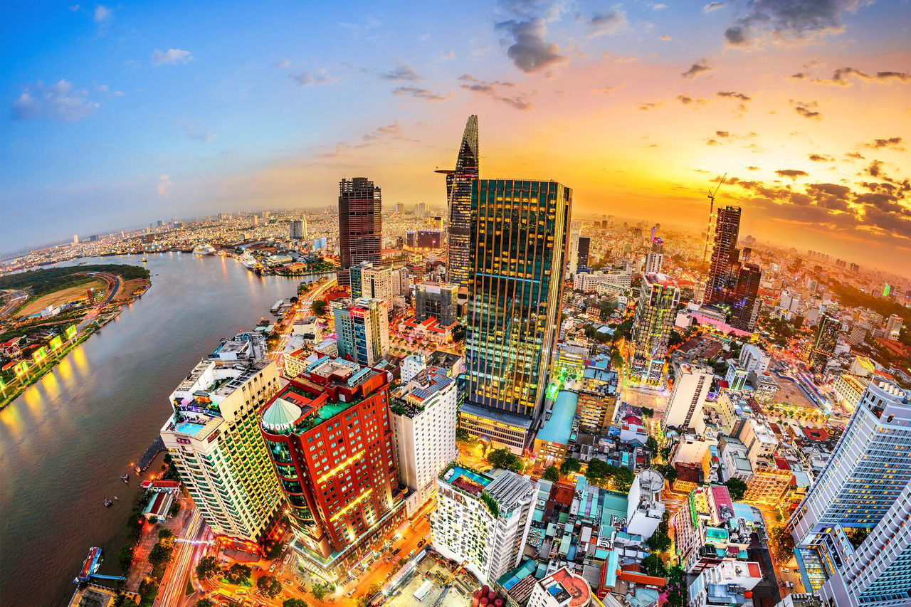 TP.HCM muốn trở thành trung tâm tài chính khu vực và quốc tế, vì sao? - Ảnh 1.