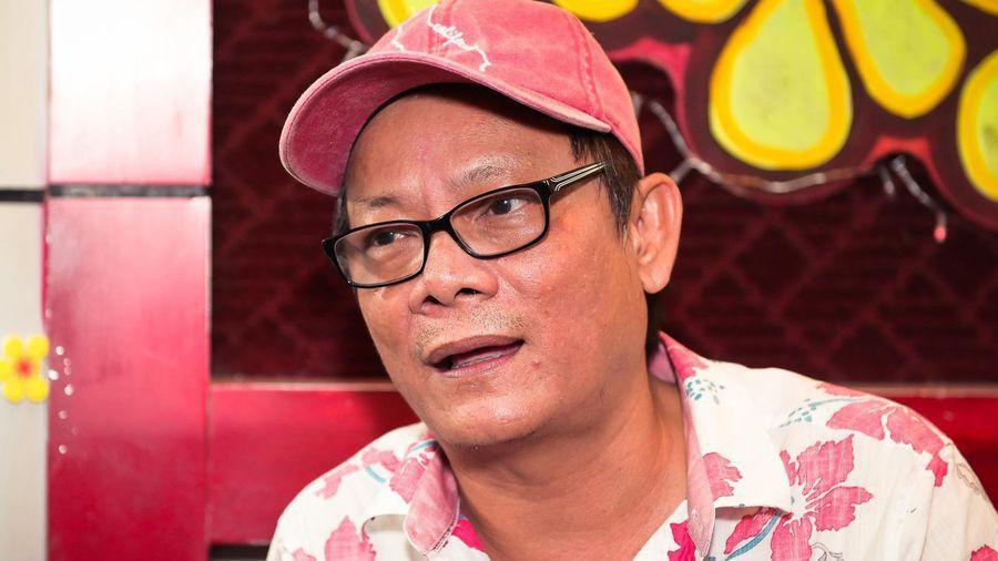 """Nghệ sĩ Tấn Hoàng tuổi U60 vẫn ở nhà thuê, ngất xỉu ở sân bay: """"Tôi cũng không chết sớm đâu"""" - Ảnh 4."""