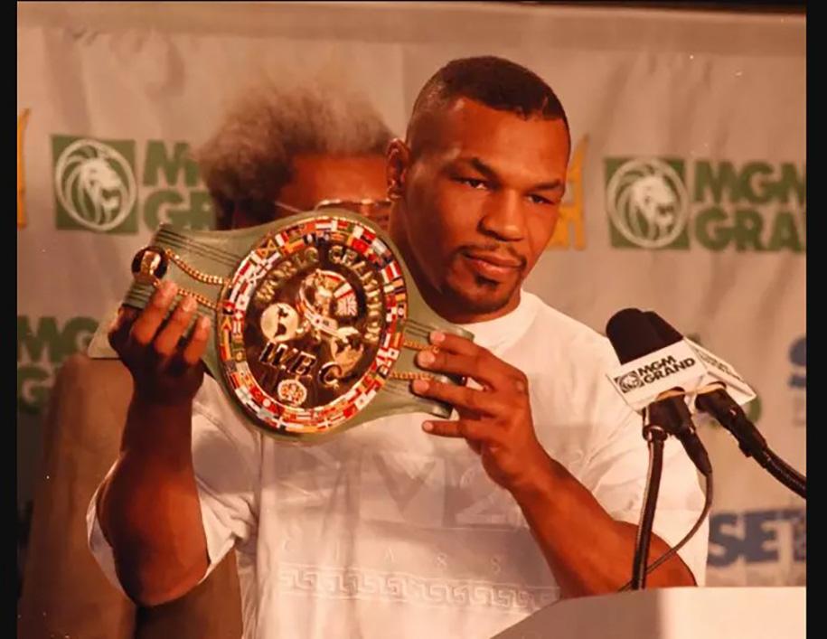 Tiệc sinh tuổi 30 của Mike Tyson: Bố trí 19 gái đẹp ở 19 phòng - Ảnh 2.