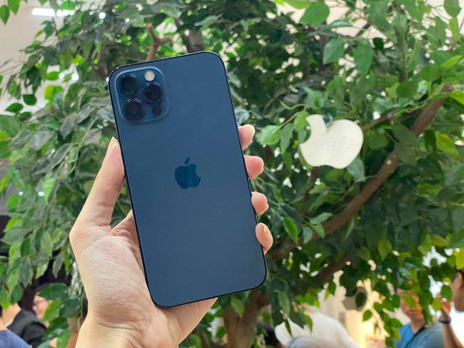 iPhone 11 Pro Max: Ông hoàng pin 'trâu' trong các dòng iPhone - Ảnh 6.