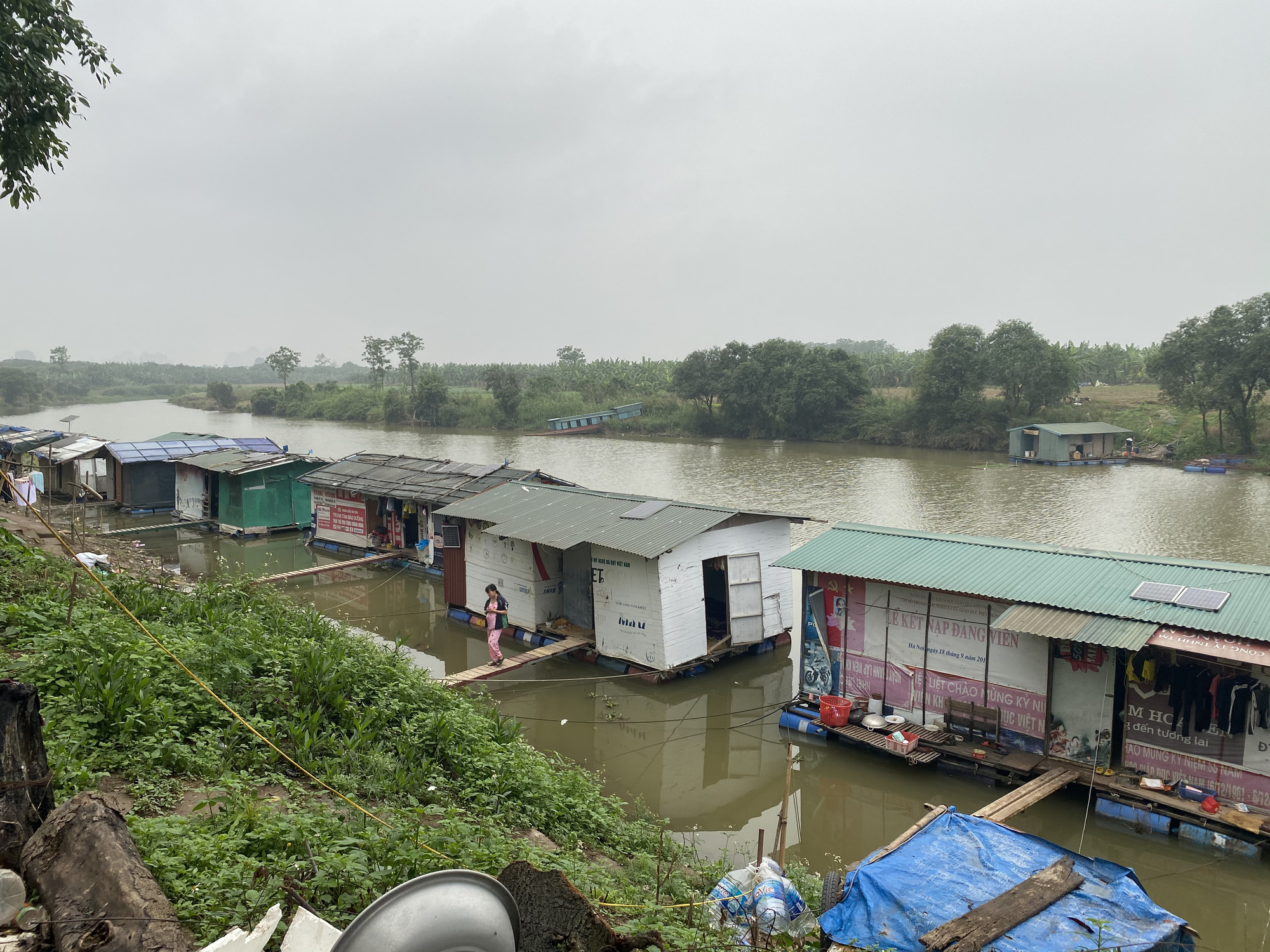 Số phận hàng vạn người sống ven sông Hồng sẽ ra sao nếu Hà Nội quy hoạch phân khu đô thị? - Ảnh 1.