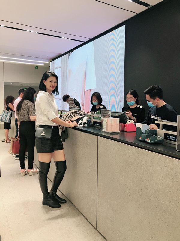 Hoa khôi bóng chuyền Kim Huệ tiết lộ sở thích mặc sexy - Ảnh 3.