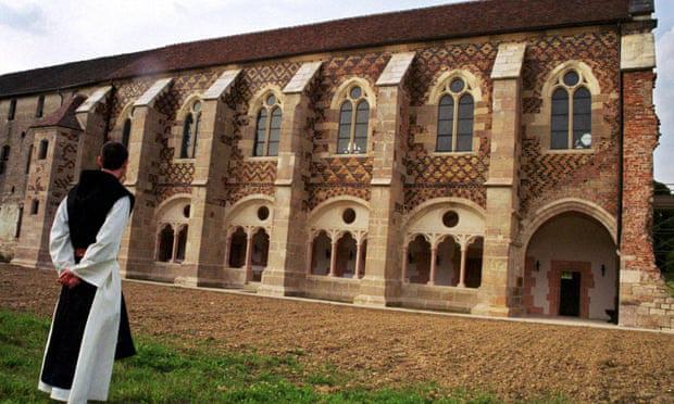 Pháp lên chiến dịch giải cứu 2,8 tấn phô mai thượng hạng của các tu sĩ - Ảnh 1.
