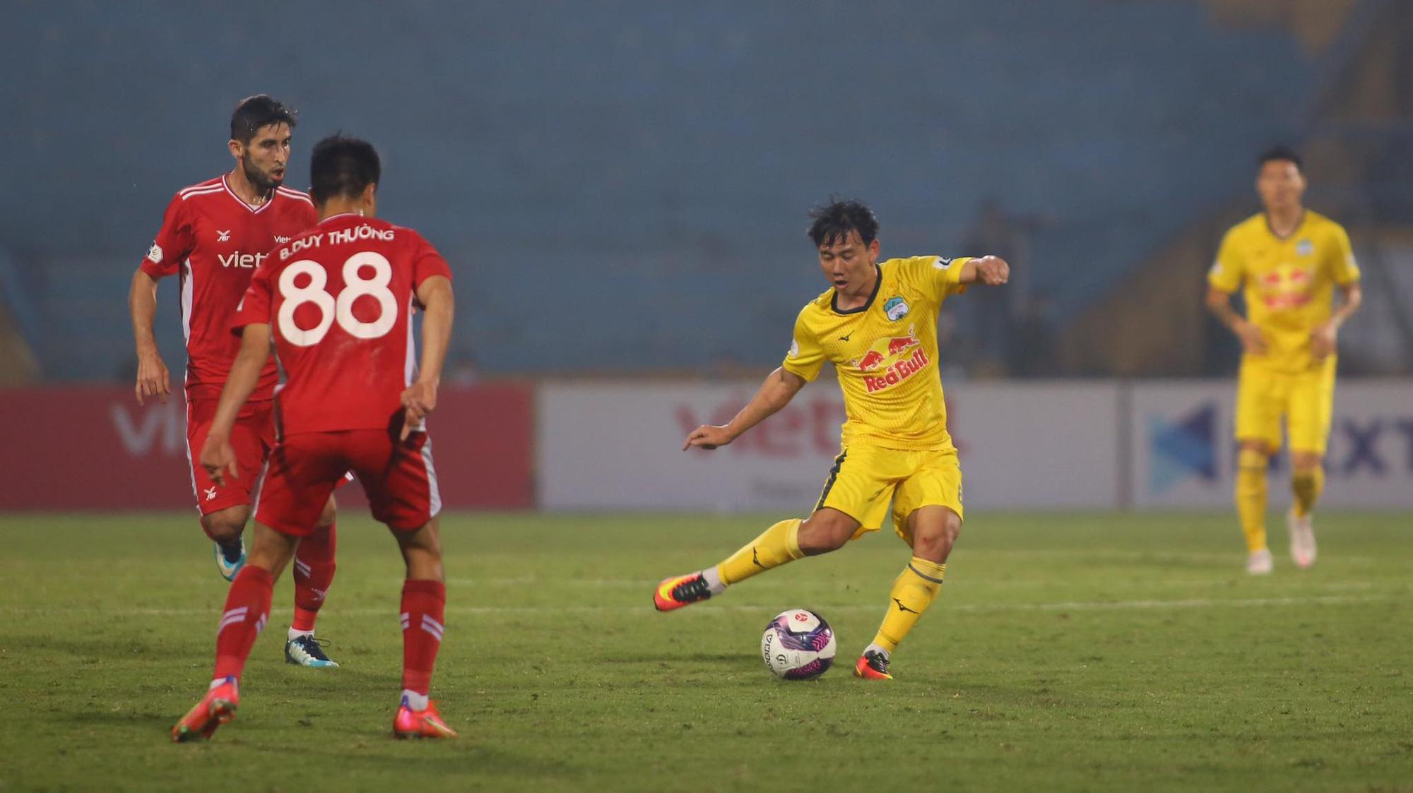 HAGL đối đầu Lee Nguyễn, HLV Kiatisak chia sẻ điều này! - Ảnh 3.