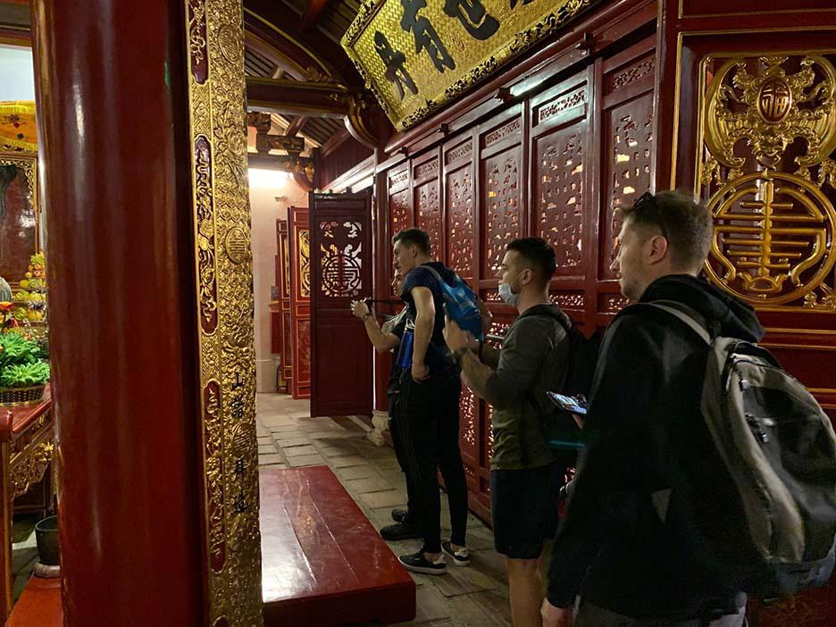 """""""Hộ chiếu vaccine"""" có phải là tiêu chí duy nhất an toàn để khách du lịch quốc tế vào Việt Nam? - Ảnh 1."""