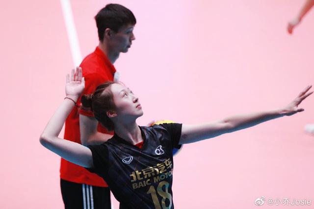 """Lộ hình xăm, """"nữ thần"""" bóng chuyền Trung Quốc  bất ngờ giải nghệ - Ảnh 5."""