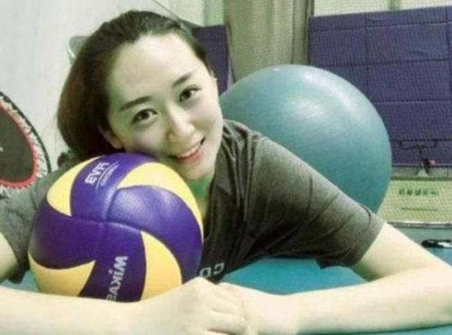 """Lộ hình xăm, """"nữ thần"""" bóng chuyền Trung Quốc  bất ngờ giải nghệ - Ảnh 6."""