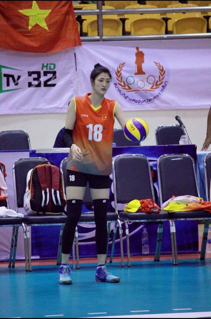 Chân dài Lưu Thị Huệ 1m85: Tập bóng đá, nhưng lại thành tuyển thủ... bóng chuyền - Ảnh 5.