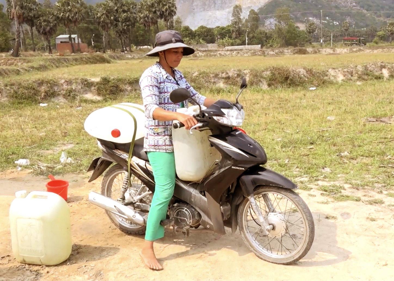 Chuyện lạ An Giang: Giếng nước tự nhiên giữa cánh đồng quanh năm cho nước ngọt - Ảnh 3.