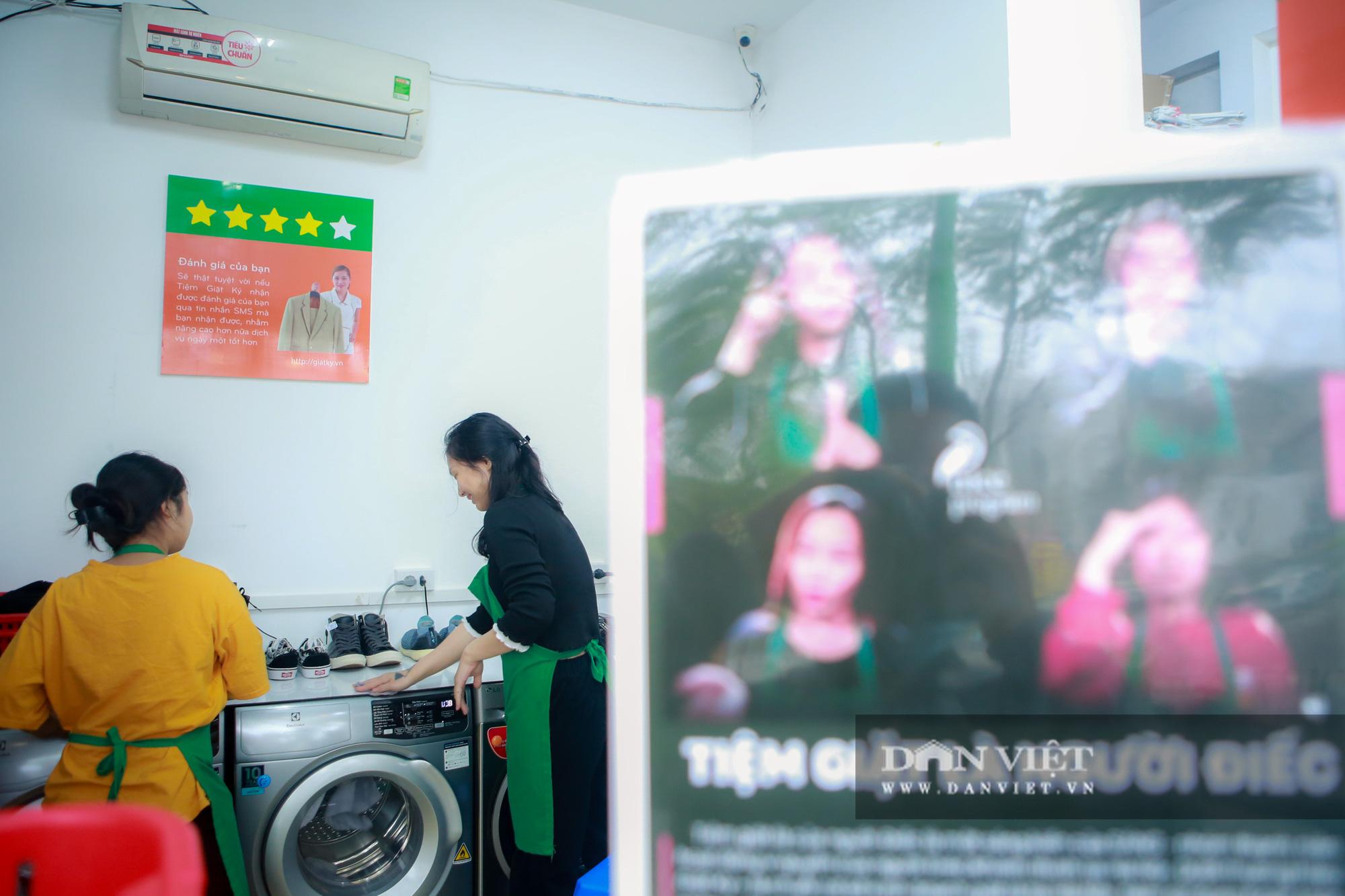 Tiệm giặt là không tiếng nói của những cô gái xinh đẹp tại Hà Nội - Ảnh 11.