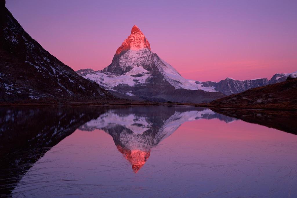 Đây là những ngọn núi ai cũng muốn một lần khám phá trong đời - Ảnh 2.