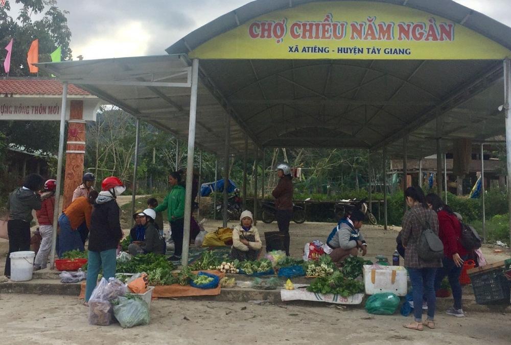 Quảng Nam: Ngôi chợ lạ ở huyện biên giới Tây Giang gi gỉ gì gi cái gì cũng bán giá 5 ngàn - Ảnh 7.