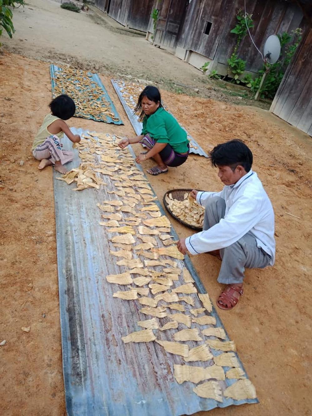 Quảng Nam: Ngôi chợ lạ ở huyện biên giới Tây Giang gi gỉ gì gi cái gì cũng bán giá 5 ngàn - Ảnh 4.