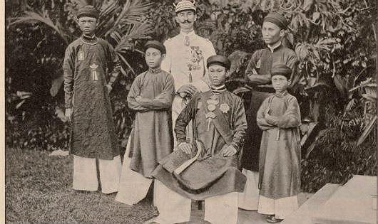 Thời kỳ nào trong sử Việt 4 tháng có tới 3 vua trị vì? - Ảnh 1.
