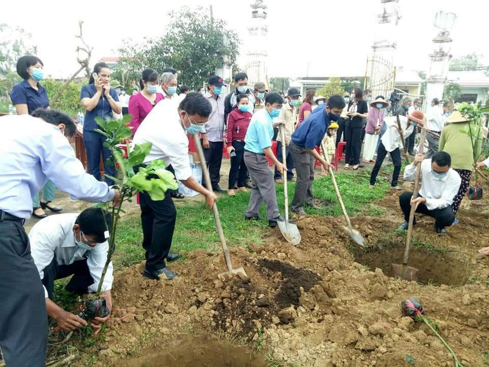 Quảng Nam: Cán bộ, hội viên nông dân Điện Bàn trồng 4.000 cây ăn quả - Ảnh 2.