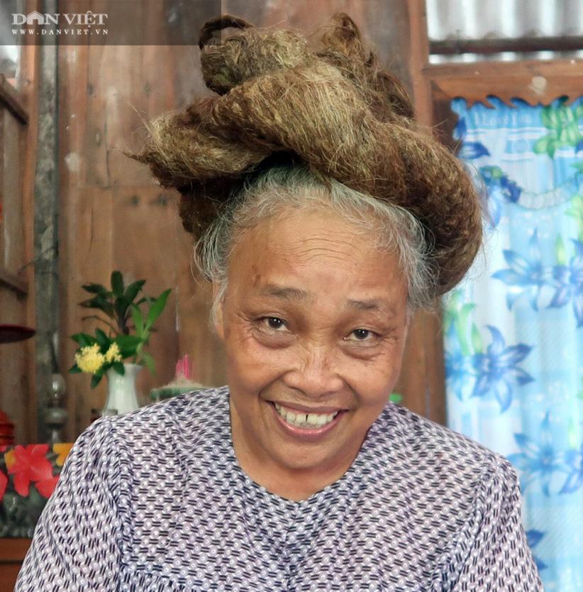 Chuyện chưa kể về câu chuyện những cụ ông, cụ bà có mái tóc dài kỷ lục - Ảnh 4.