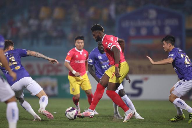 """Mourinho Việt Nam: """"Hà Nội và HAGL đang ở đẳng cấp khác tại V.League"""" - Ảnh 1."""
