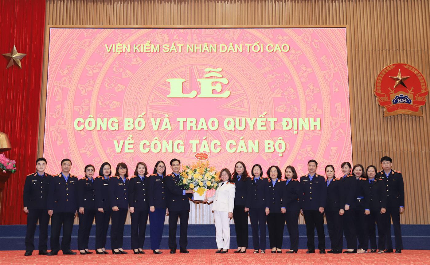 Viện trưởng Lê Minh Trí điều động nhiều Kiểm sát viên cao cấp, trung cấp - Ảnh 1.