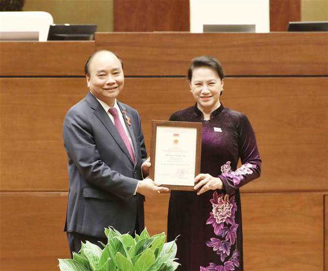 Đề nghị Quốc hội miễn nhiệm 2 chức vụ với bà Nguyễn Thị Kim Ngân - Ảnh 1.