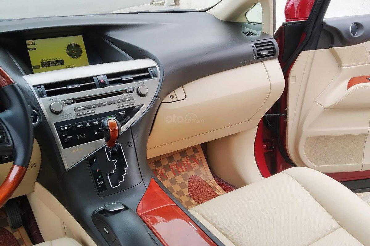 Bảng điều khiển trung tâm xe Lexus RX 450h 2010 1