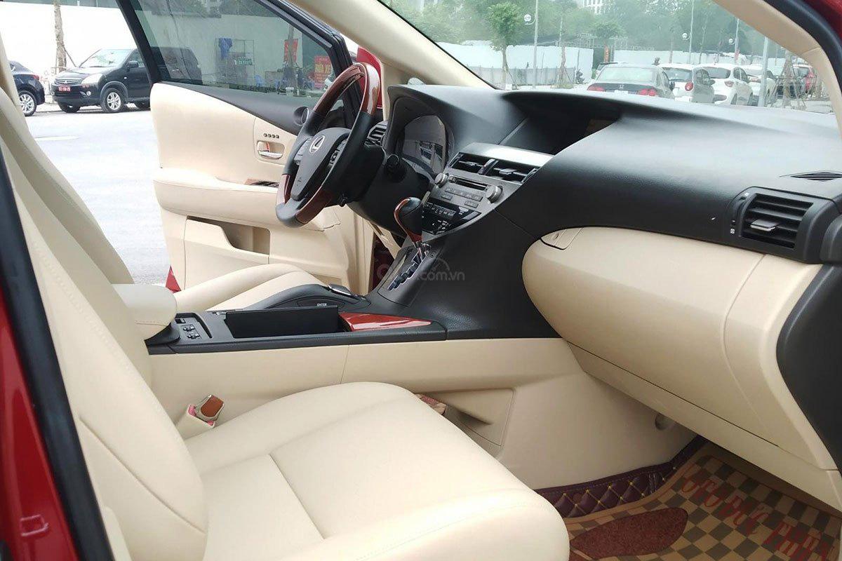 Khu vực hàng ghế trước xe Lexus RX 450h 2010 1