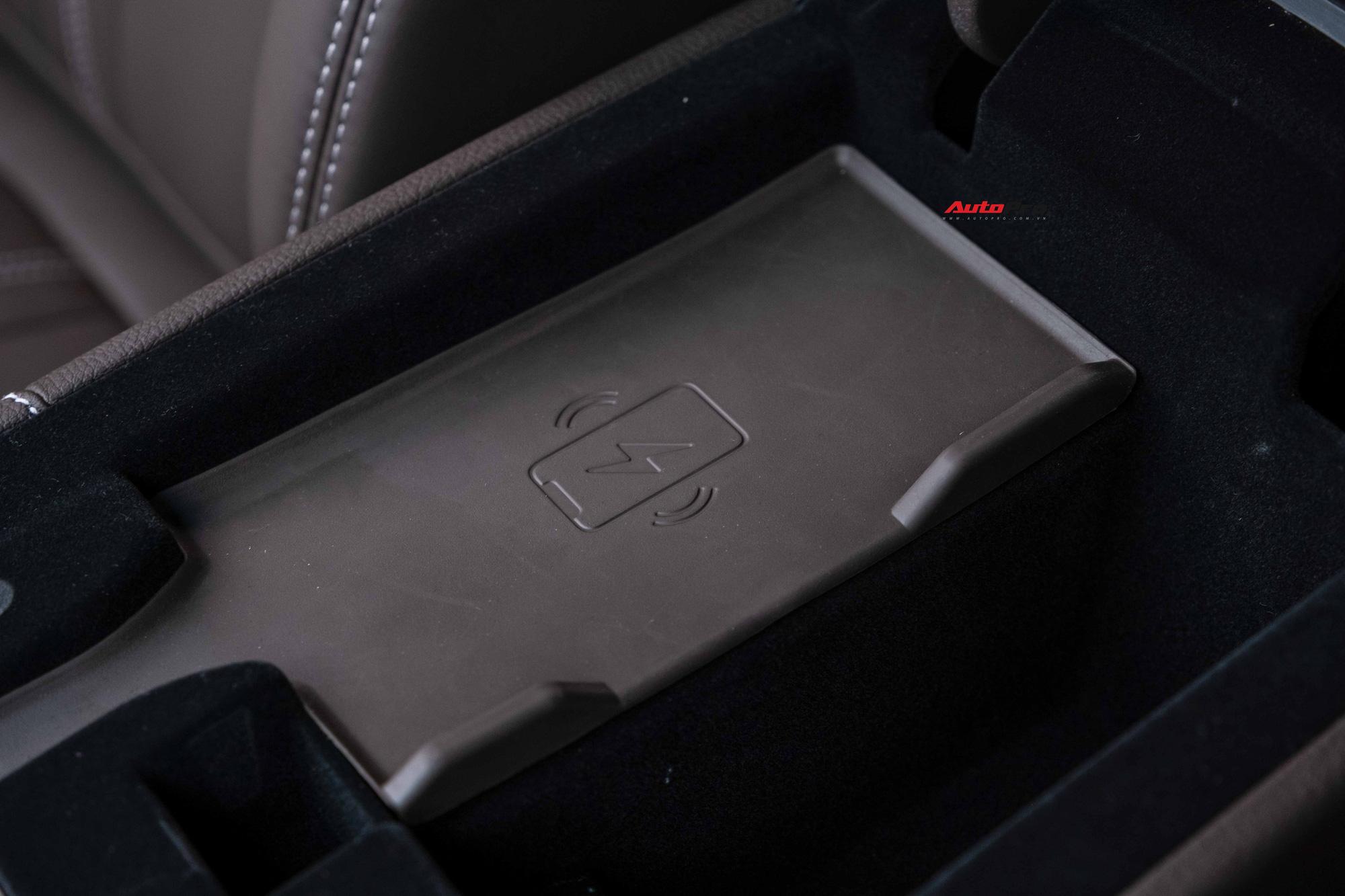 Vừa mua VinFast Lux A2.0 bản full , chủ xe chưa đi đăng kí đã bán với giá rẻ hơn Toyota Camry - Ảnh 7.