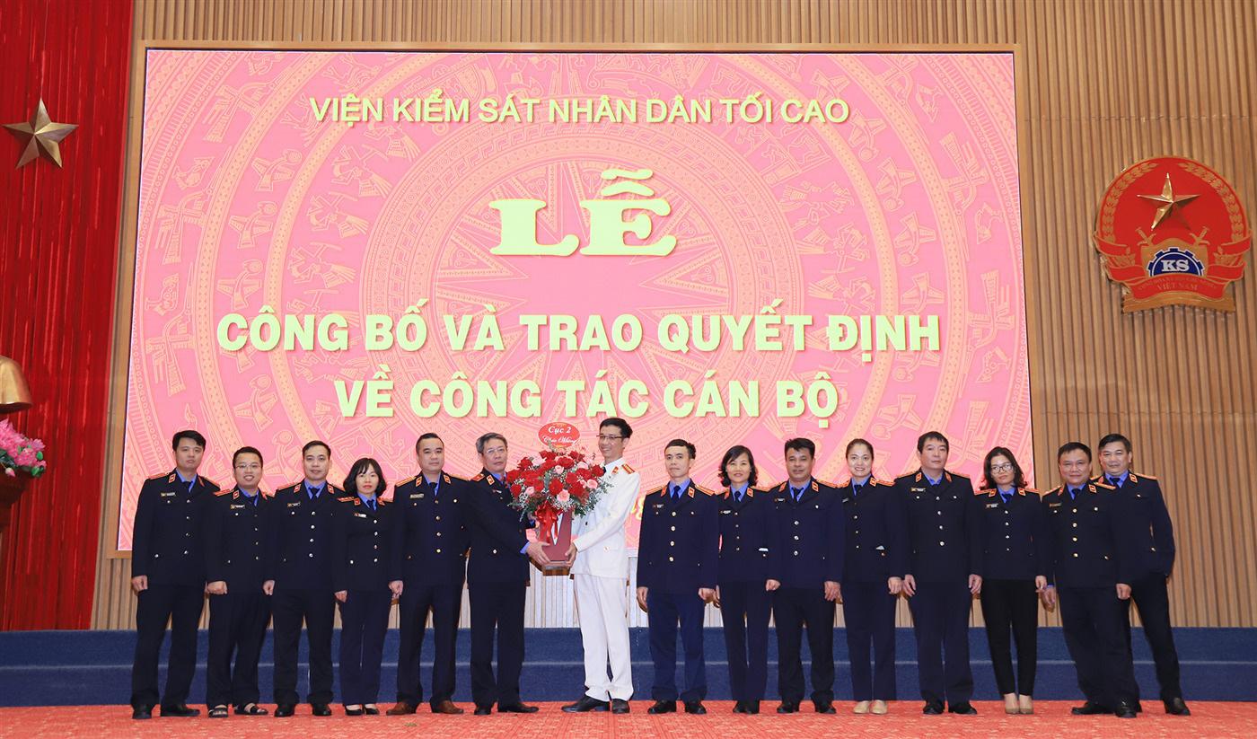 Viện trưởng Lê Minh Trí điều động nhiều Kiểm sát viên cao cấp, trung cấp - Ảnh 4.