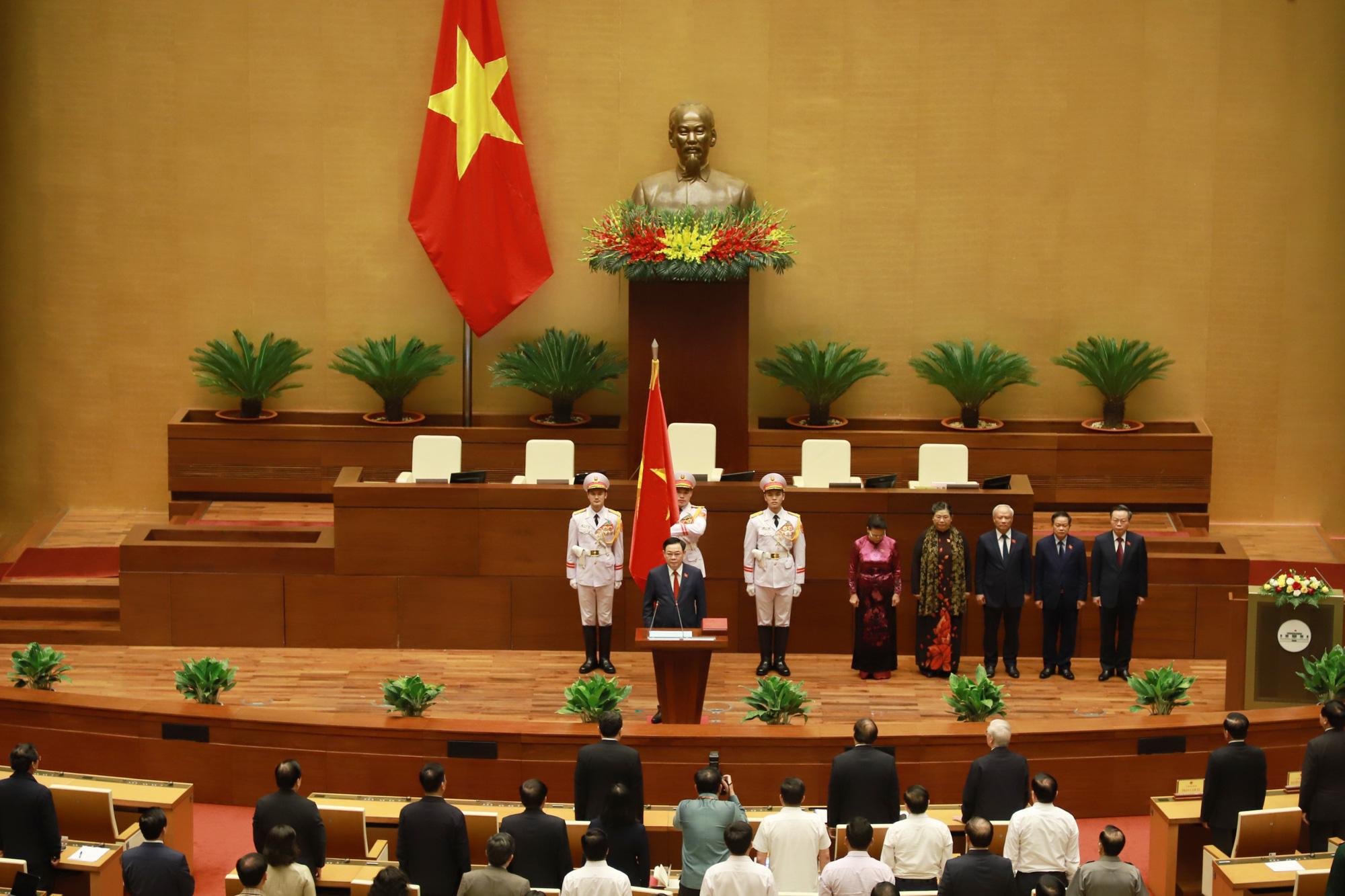 Ảnh: Tân Chủ tịch Quốc hội Vương Đình Huệ tuyên thệ nhậm chức, điều hành phiên họp - Ảnh 1.