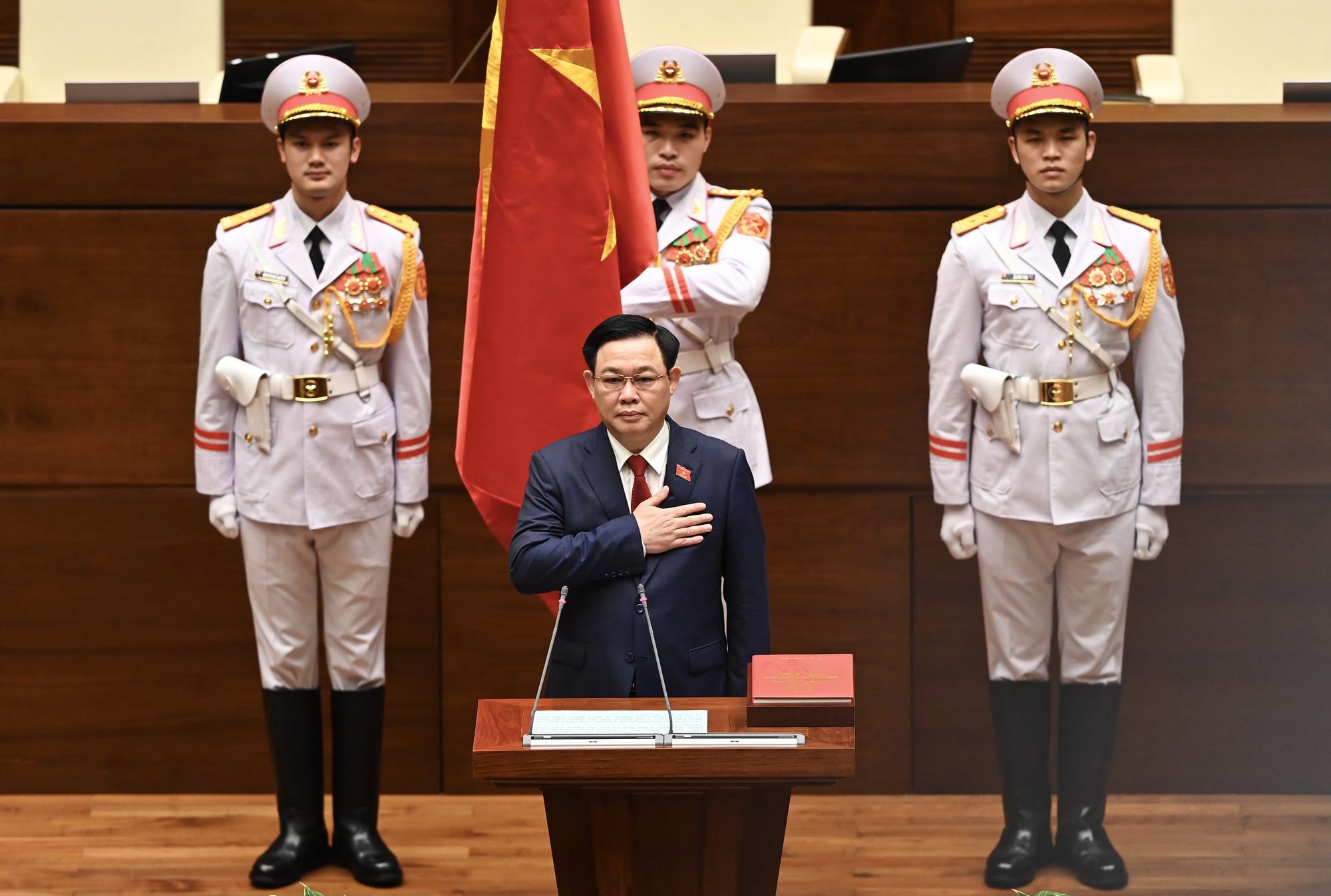 Ảnh: Tân Chủ tịch Quốc hội Vương Đình Huệ tuyên thệ nhậm chức, điều hành phiên họp - Ảnh 2.