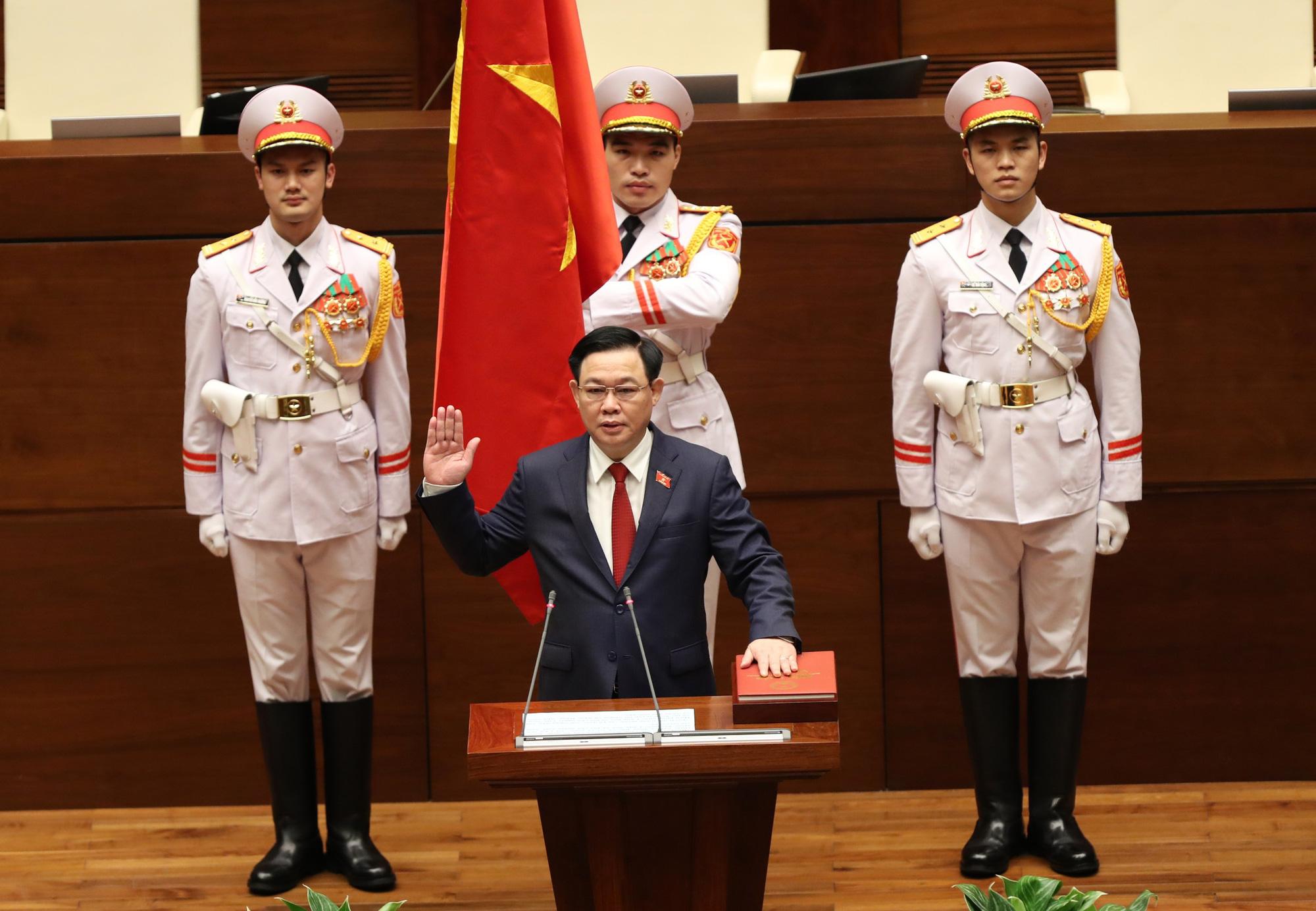 Ảnh: Tân Chủ tịch Quốc hội Vương Đình Huệ tuyên thệ nhậm chức, điều hành phiên họp - Ảnh 3.