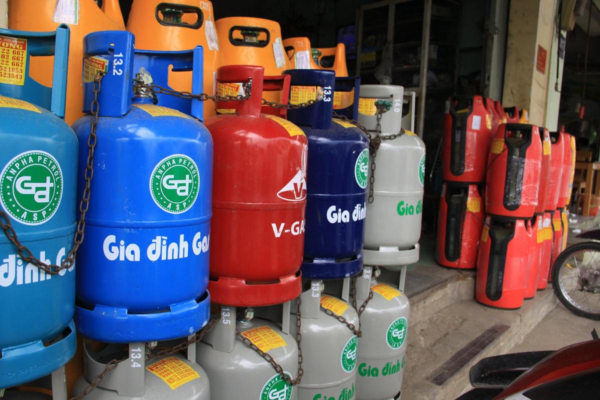 """Giá gas giảm mạnh trong ngày """"cá tháng Tư"""" - Ảnh 1."""