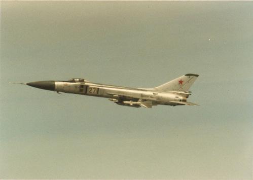 Su-15 - tiêm kích đánh chặn đầy tai tiếng và yểu mệnh của Liên Xô - Ảnh 2.