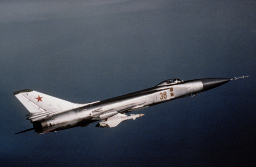 Su-15 - tiêm kích đánh chặn đầy tai tiếng và yểu mệnh của Liên Xô - Ảnh 1.