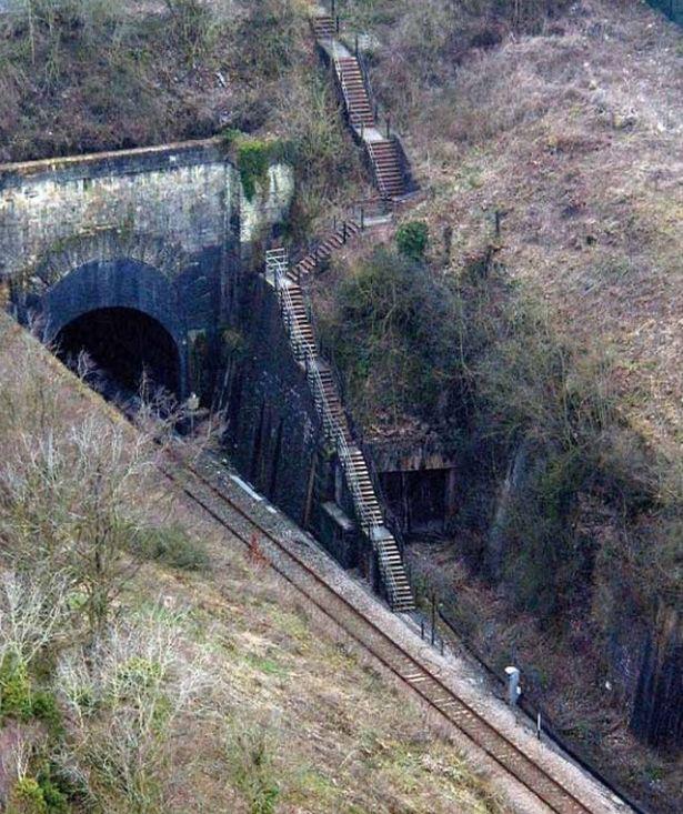 Thành phố ngầm tại Anh được xây dựng để làm nơi trú ẩn cho Hoàng gia thời chiến tranh hạt nhân - Ảnh 3.