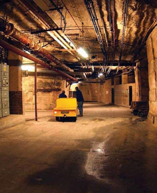 Thành phố ngầm tại Anh được xây dựng để làm nơi trú ẩn cho Hoàng gia thời chiến tranh hạt nhân - Ảnh 2.