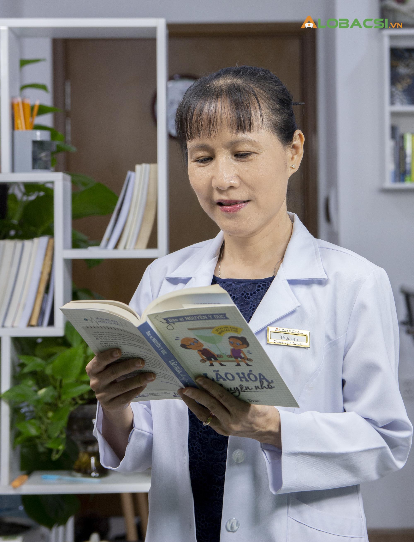 """Nữ bác sĩ Hồ Phạm Thục Lan: Người """"giải mã"""" bí ẩn về loãng xương - Ảnh 5."""