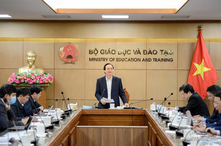 Bộ trưởng GD-ĐT nói về đề thi THPT 2021 trong điều kiện dịch Covid-19 - Ảnh 1.