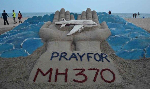 Bí ẩn MH370: Các mảnh vỡ tiết lộ sự thật đau lòng này - Ảnh 1.