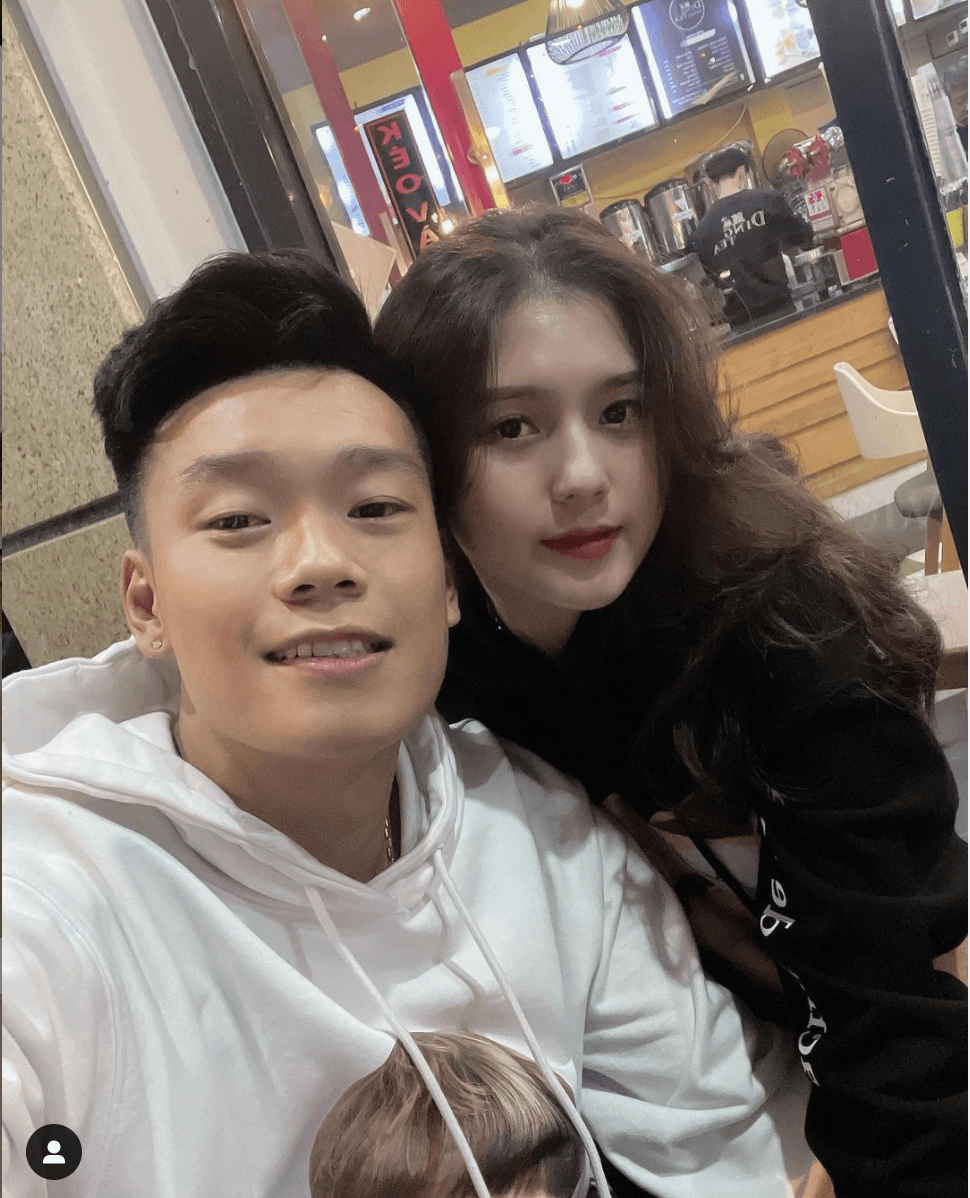 Bạn gái hậu vệ Thành Chung: Xinh đẹp, kín tiếng và đảm đang - Ảnh 3.
