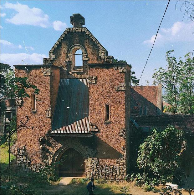 Những địa điểm bỏ hoang nhưng cực chất để check-in tại Đà Lạt - Ảnh 12.