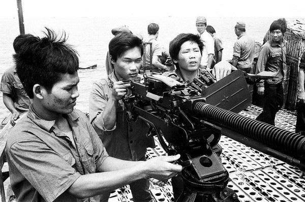Bộ đội căng mình trước sóng gió bảo vệ Trường Sa những năm 80 - Ảnh 3.