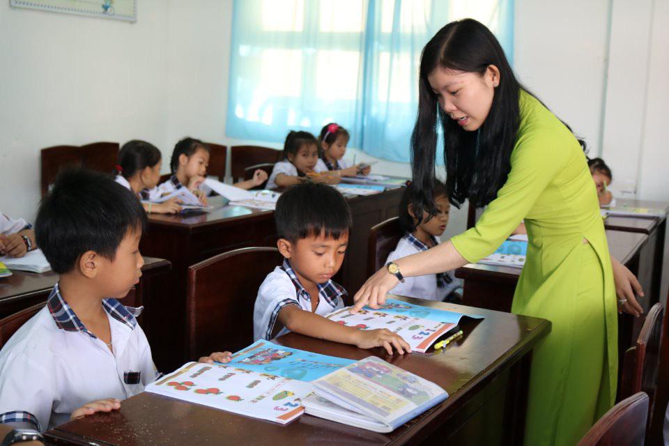 Chứng chỉ chức danh nghề nghiệp làm khó giáo viên - Ảnh 1.