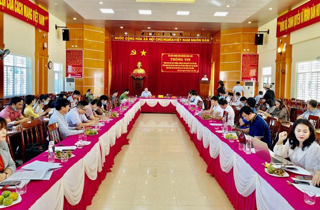 Quảng Ngãi: Huyện ra tối hậu thư cho hộ chây ì giao đất dự án kè bắc Trà Bồng  - Ảnh 1.