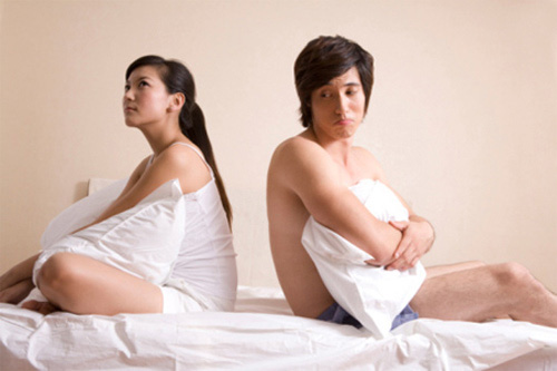 """""""Vòng kim cô"""" của đàn ông: Tôi không biết sống thế nào cho vừa lòng vợ - Ảnh 1."""